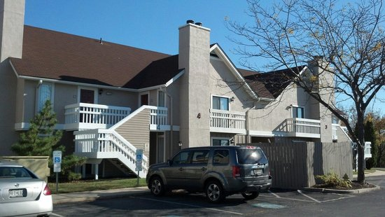 Sonesta ES Suites Somers Point : Hotel exterior