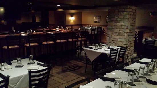 Tuscan Tavern & Grill: Lovely private dining room