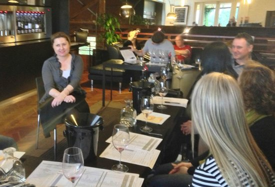 Small Winemakers Centre : Private Tasting in the Icon Lounge
