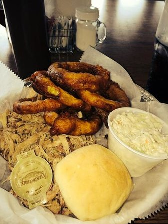 Rickard Ridge BBQ: you have to have the onion rings!