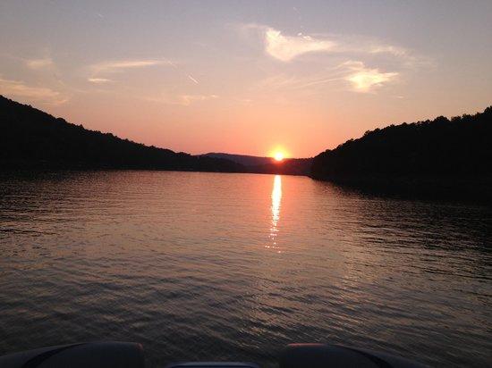 Greers Ferry Lake : Beautiful sunset!