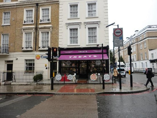 "Premier Inn London Victoria Hotel : ""Treats"" Bakery Nearby"