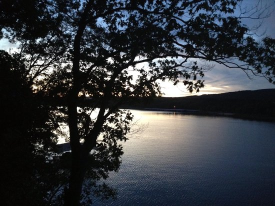 Greers Ferry Lake : Another beautiful sunset