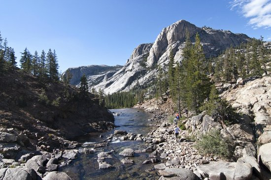 Yosemite High Sierra Camps: View of river right below Glen Aulin