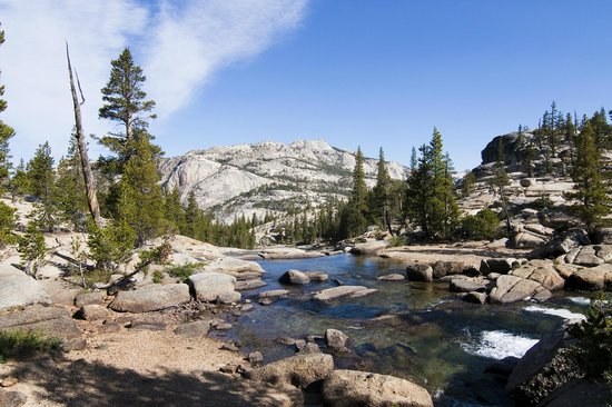 Yosemite High Sierra Camps: Tuolumne River above Glen Aulin