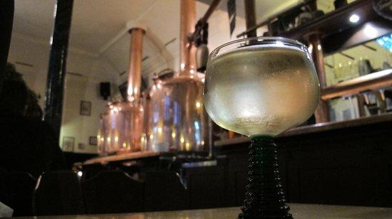 Vetter's Alt Heidelberger Brauhaus: Nice Glass of Wine