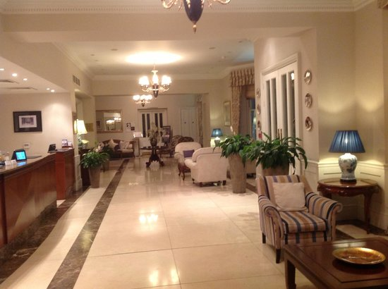 Park International Hotel: Park International entrace foyer