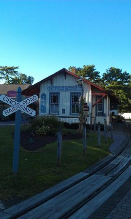 The Colonial Inn at Historic Smithville: Historic Smithville Railway