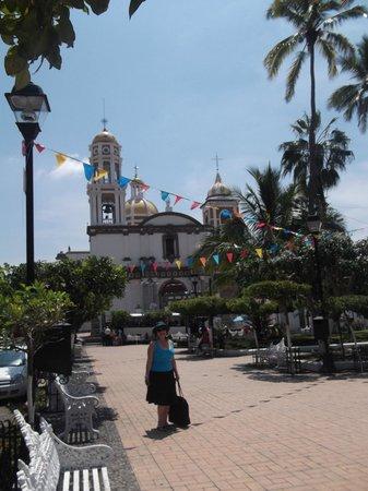 Casa Alvarada: iglesia de Comala
