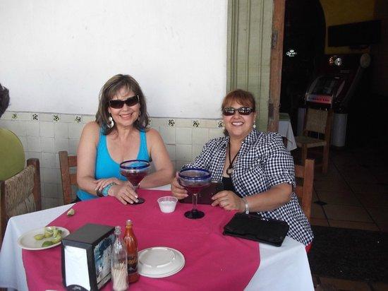 Casa Alvarada : saboreando un rico ponche!!