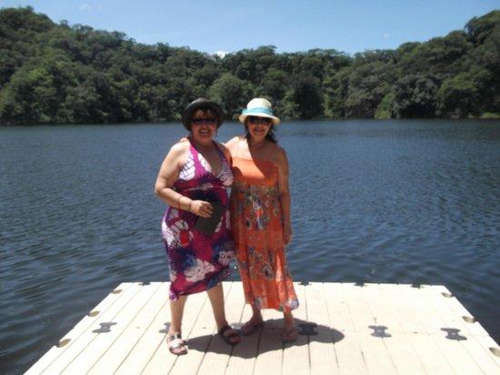 Casa Alvarada : lago que es boca de volcan