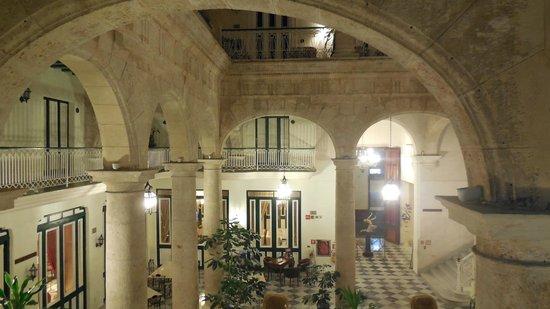 Hotel Florida: patio