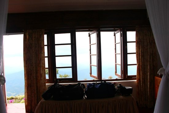 Kelburne Mountain View Cottages: The bedroom overlooking the amazing view