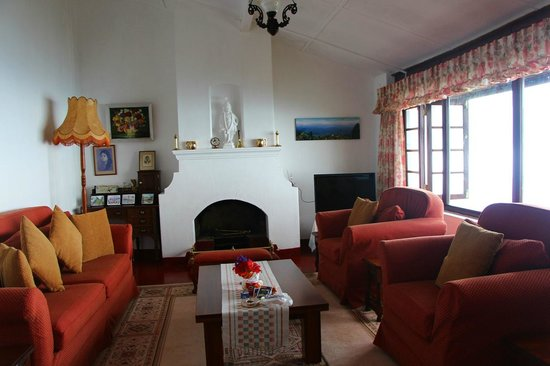 Kelburne Mountain View Cottages: The cosy sitting/ reading room