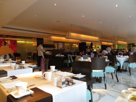 Trident, Nariman Point : Frangipani Restaurant