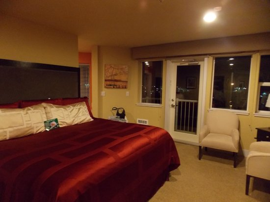 Cannery Pier Hotel: Master Suite in our Penthouse :)
