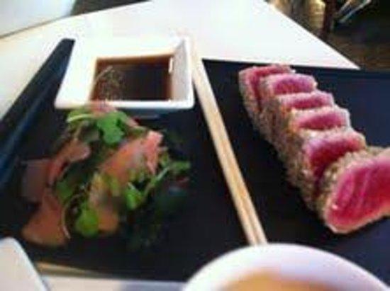 Seasons Bistro Bar & Deli: salmon