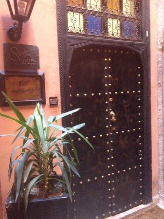 Riad Anyssates : Door in to Riad