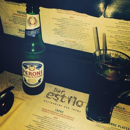 Bar Estilo: A beer and a non alcoholic cocktail