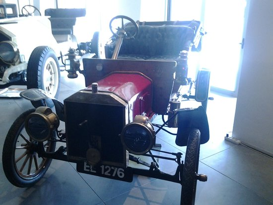 Hellenic Motor Museum: One of trh fisrt cars