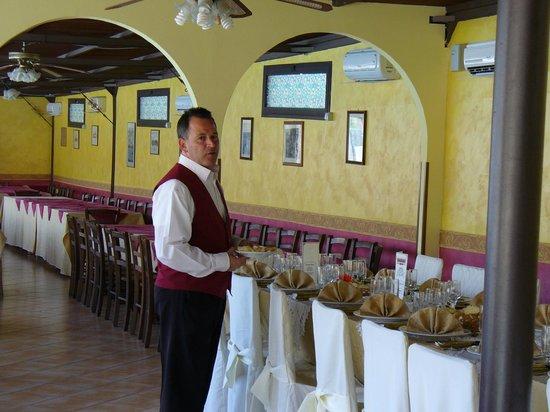 Tiziana Hotel : una delle sale da pranzo