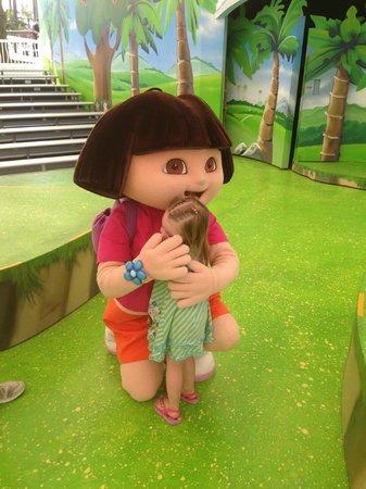 Sea World: Meeting Dora