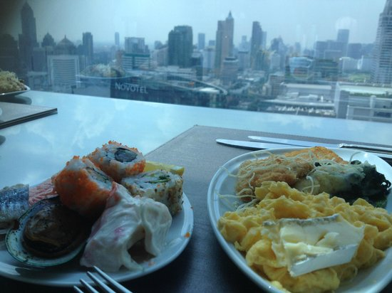 Amari Watergate Bangkok: Breakfast with a view