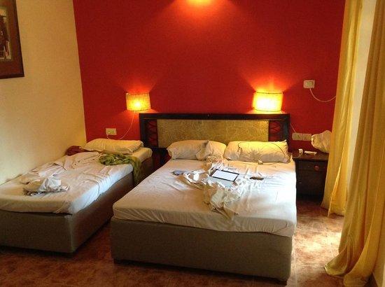 Seabreeze Resort & Zo Rooms: Beds