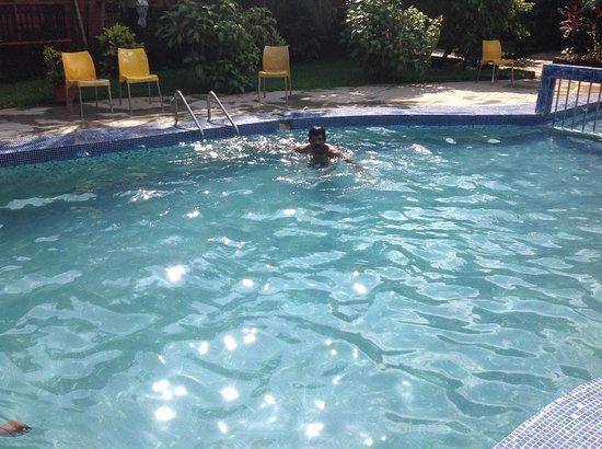 Seabreeze Resort & Zo Rooms: Nice Pool