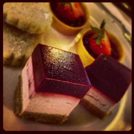 Searcys St Pancras Restaurant and Champagne Bar: Petit Fours