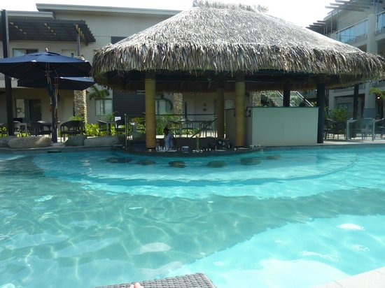 Wyndham Resort Denarau Island : adult pool swim up bar