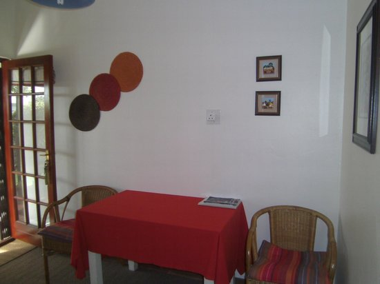 Barnacle B&B: The kitchen area in the twin room
