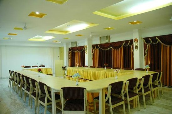 Hotel Gorbandh: Conference Hall