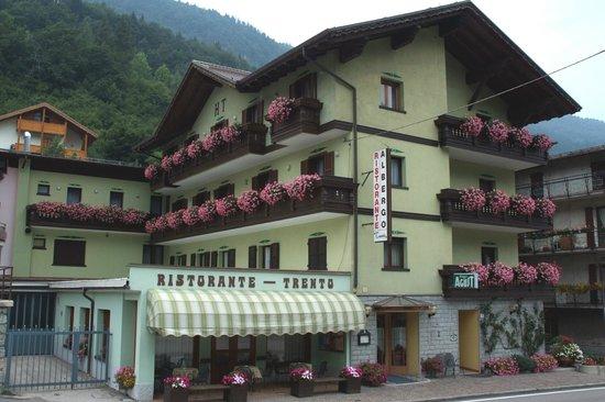 Albergo Trento snc: HOTEL  A BREGUZZO