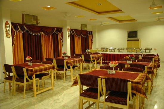 Hotel Gorbandh: Dinning Hall