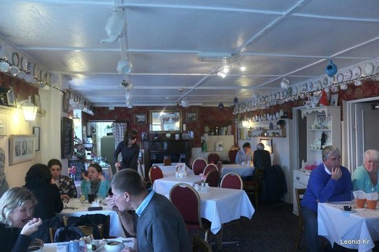 Harbour LIghts Cafe & Restaurant: inside the cafe