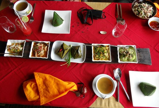 ViewPoint Lodge & Fine Cuisines: Lunch