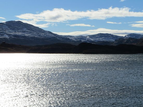 Haukeliseter Fjellstue: Looking across the lake