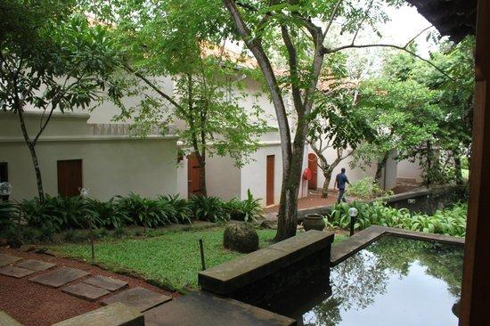 Saman Villas: Entrance
