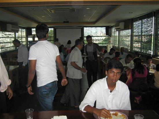 Malles Manotaa: Dining Hall