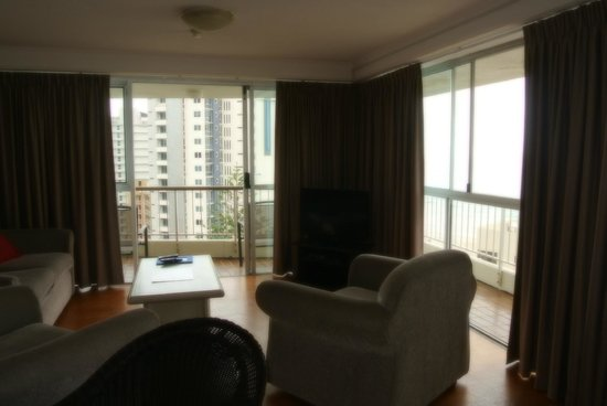 Surfers Beachside Holiday Apartments: Apt 1101 - family area / dining