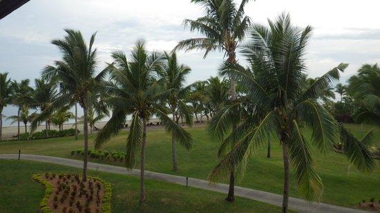 Sofitel Fiji Resort & Spa: view from the balcony to the beach