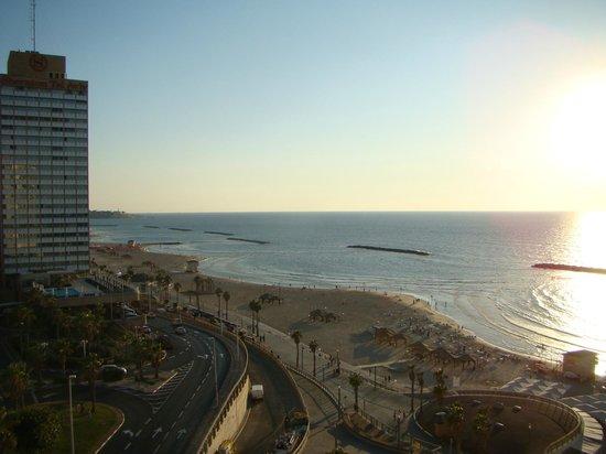Renaissance Tel Aviv Hotel: Vista do quarto (7º piso)