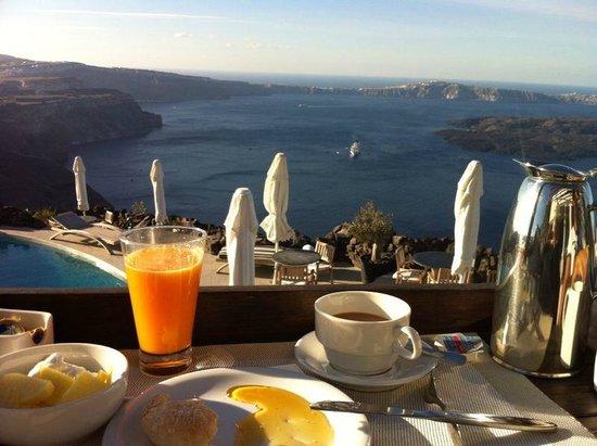 Honeymoon Petra Villas: Breakfast with great view