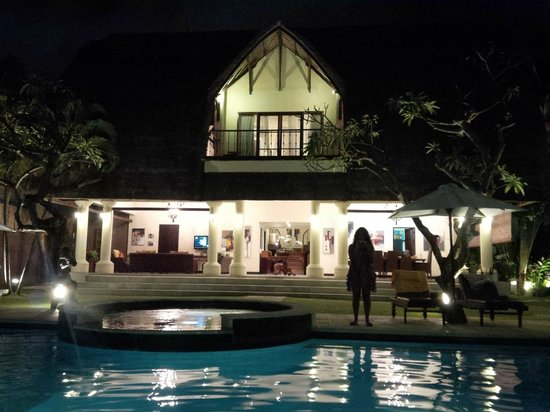 The Bli Bli Villas & Spa: the big villa that have the 2 main rooms