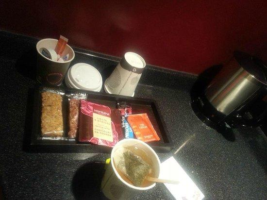Qualys-Hotel Nanterre La Defense: le coin déjeuné sur l pouce