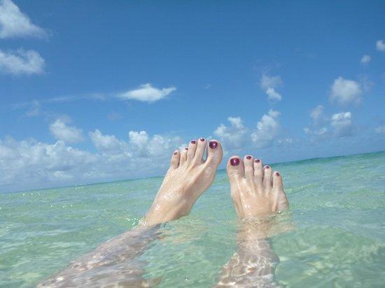 Lauiula Beach Fales: toes in paradise