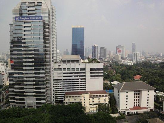 Banyan Tree Bangkok: BKK skyline