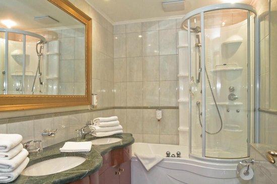 SEETELHOTEL Ostseeresidenz Heringsdorf: Badezimmer Ferienwohnung