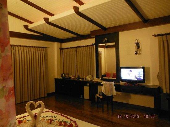 Aonang Phu Petra Resort, Krabi Thailand: large room